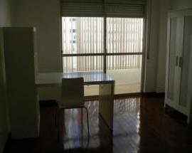 Quarto individual mobilado Lisboa centro