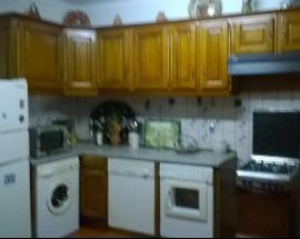 Arrenda se 2 quartos em vivenda em Evora