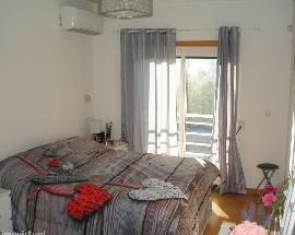 Arrendam se dois quartos em Oeiras