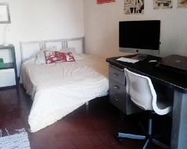 Arrendo o meu quarto na baixa do Porto