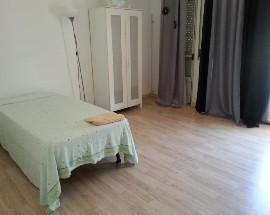 Alugo quarto em Oeiras casa familiar