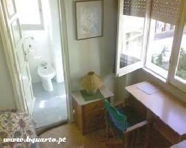 Aluga se quarto a estudante casa de banho privativa Lisboa