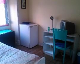 Alugo quarto no centro de Lisboa a 2min metro com net
