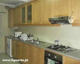 Alugam se quartos individuais apartamento independente
