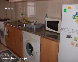 Alugo quarto serventia de cozinha Porto