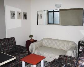 Alugo quarto na Praca da Alegria a 10 minutos do centro do Porto