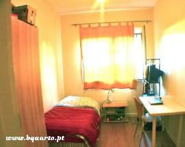 Alugo um quarto no Porto perto da Faculdade Ciencias