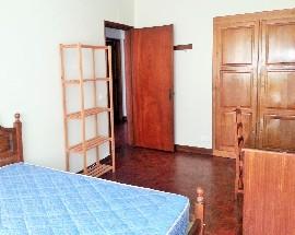 Arrenda se apartamento quarto Guarda