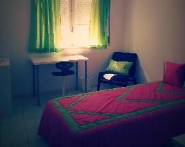 Apartamento com 4 quartos individuais em Peniche