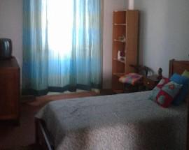 Arrenda se quarto individual a rapariga estudante em Coimbra