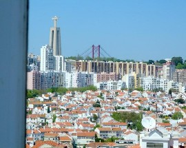 2 bedroom apartment completely furnished in Almada