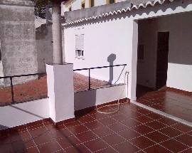 Alugo apartamento com 2 quartos em Evora