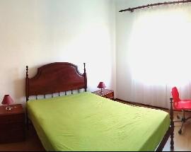 Tenho 2 quartos disponiveis para alugar em Coimbra