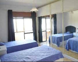 Suite em apartamento junto ao metro Almada Cova da Piedade
