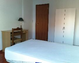 Tres quartos mobilados em casa independente junto ao ISEC