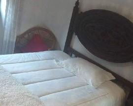 Alugo quarto com cama casal mobilado Santa Clara