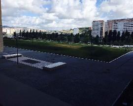 Arrendo um quarto na alta de Lisboa