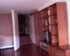 Quartos em apartamento novo com ambiente residencial familia