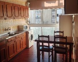 Apartamento com varanda e arrumos Aveiro Glicineas