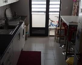 Alugo quartos num apartamento no centro de Loures