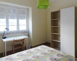 Aluga se apartamento mobilado para estudantes em Coimbra