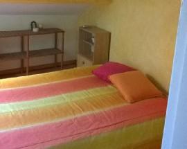 Apartamento de meninas estudantes aluga quarto Lisboa centro