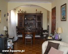 Alugo quarto de solteiro 200 euros metro Santo Ovidio VNGaia