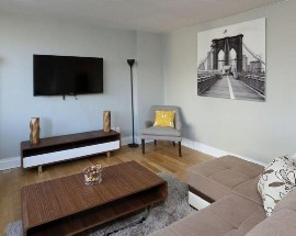 Alugo um bom apartamento completamente renovado
