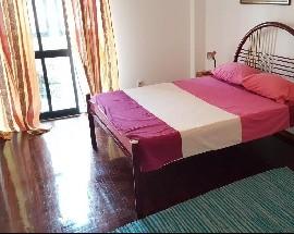 Alugo quartos na estrada de Benfica proximo do Colombo
