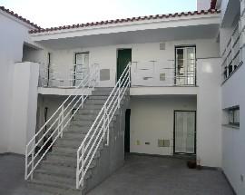 Alugo apartamento condominio fechado em Evora
