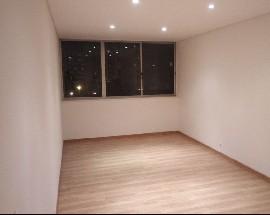 Apartamento junto ao metro de Alfornelos