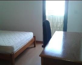 Quarto mobilado cama casal Coimbra Bissaya Barreto