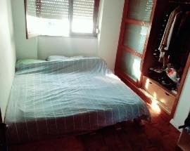 Alugo um quarto com despesas incluidas junto ao FRA e a Ginestal