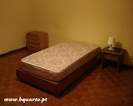 Arrendo um quarto em Lisboa Sao Domingos de Benfica