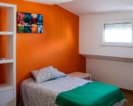 Apartamento destinado ao arrendamento a estudantes femininas