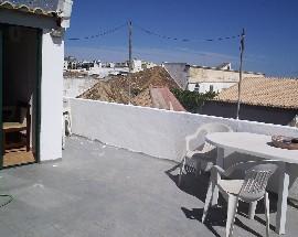 Quarto com terraco privativo na baixa de Faro