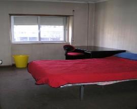 Apartamento com varios quartos em Lisboa