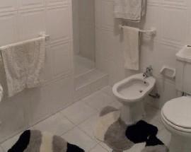 Arrendo 4 suites com cama de casal em Lisboa