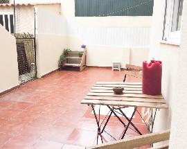 T1 + terraco na Alameda Bairro dos Actores