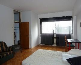 Alugo quartos Baixa do Porto