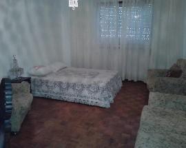 Quarto com cama de casal e gastos incluidos