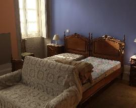 Quarto suite amplo no Porto