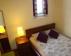 Quarto e sala privativo com casa de banho em Lisboa Centro