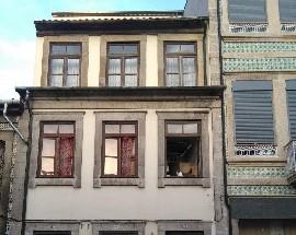 Alugo quarto mobilia para rapazes Porto metro Marques