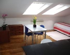 Alugo estudio mobilado numa zona central de Coimbra