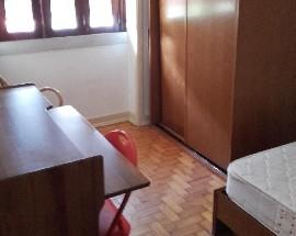 Alugo 5 quartos mobilados em Coimbra