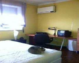 Alugo 2 quartos no Porto
