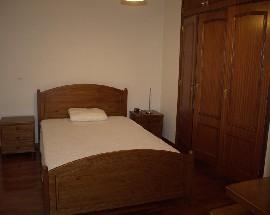Alugo quarto em excelente localizacao para estudantes