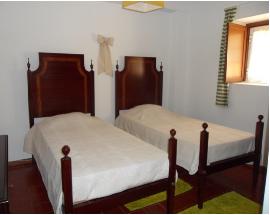 Alugo apartamento com quarto duplo em Oeiras