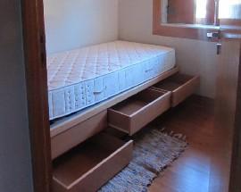 Quarto em moradia praca Velasques Porto